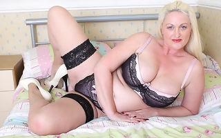 Hot British heavy breasted housewife gets horny painless hell