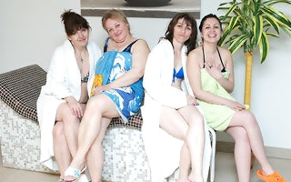 These women love to unwind concerning an all of age sauna