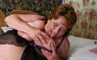 Big old lady squirts and gets a face full be expeditious for cum