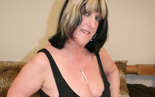 Heavy titted mature floozy playing with personally