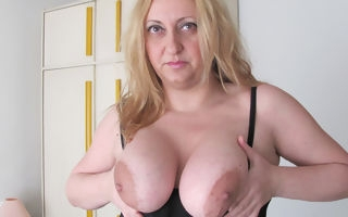 Chubby beamy breasted mama bringing off with a gewgaw