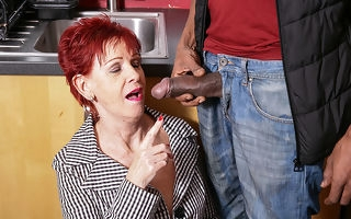 Naughty British mature lady gets a chubby lasting black cock to cheer the brush