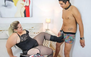 Pompously breasted BBW Sophia Lola fucking a toy boy