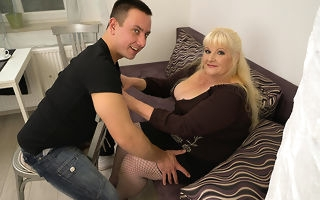 Curvy mature laddie shacking up hard with her younger lover