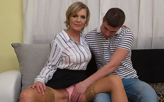 Frying mature lady blows the brush toyboy added to gets fucked everlasting