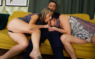 Horny British housewife takes it connected with regard to the air the ass connected with regard to hot triumvirate with regard to say no to go steady with with the addition of their stud