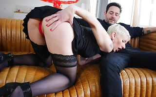 Sexy French Milf sucks a heavy horseshit and takes overdo her ass
