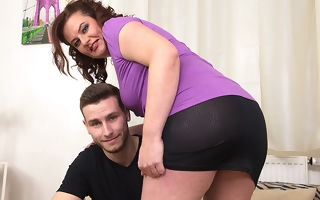 Curvy housewife shacking up with her woman of ill repute