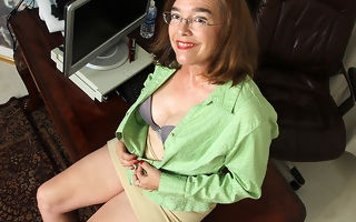 Soft American mature son playing with herself